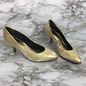 NATURALIZER metallic gold party pumps size 8